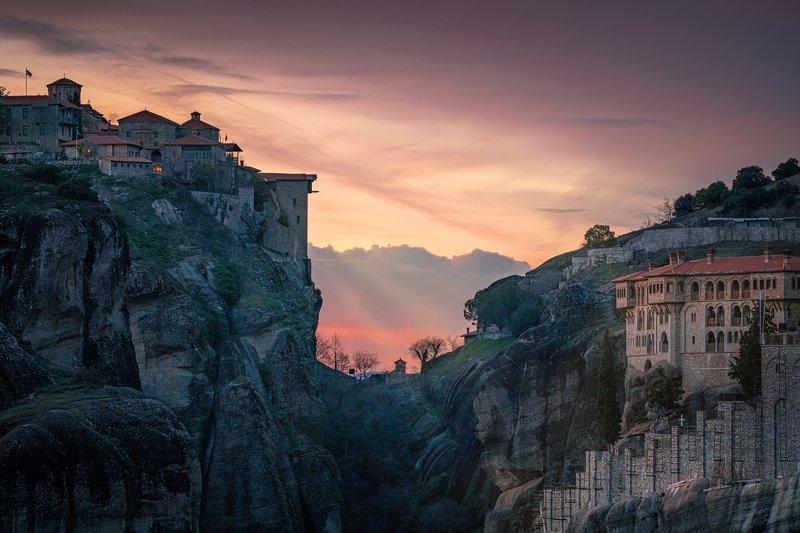 Great Metеoron vs. Varlaam monastery at Sunsetphoto preview