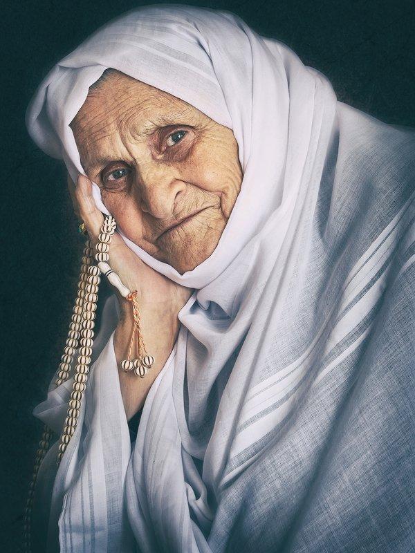 Портрет андийской женщиныphoto preview