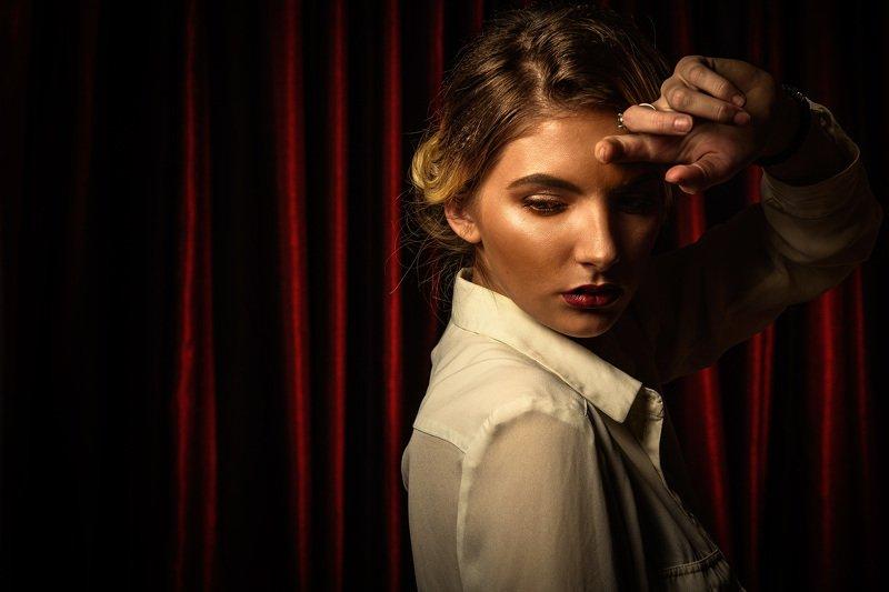 модель, актриса, занавес, гламур, драма, трагедия, fine art, model, sad, drama, tragedy Актрисаphoto preview