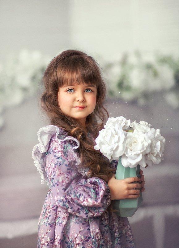 дети, детский портрет, детская фотография, весна, цветы,  Нежнаяphoto preview