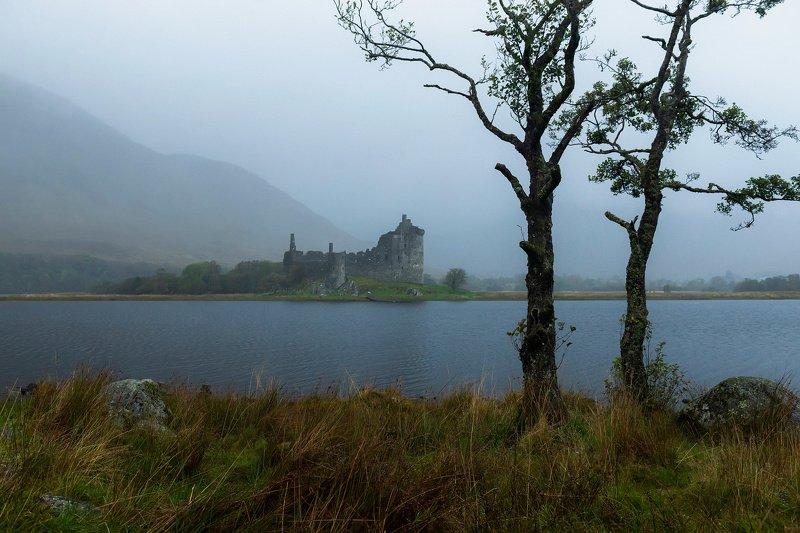шотландия, замок, туман, озеро Исчезающие доминантыphoto preview