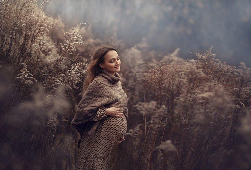 беременность, женщина, в ожидании, осень, воздух Невесомостьphoto preview