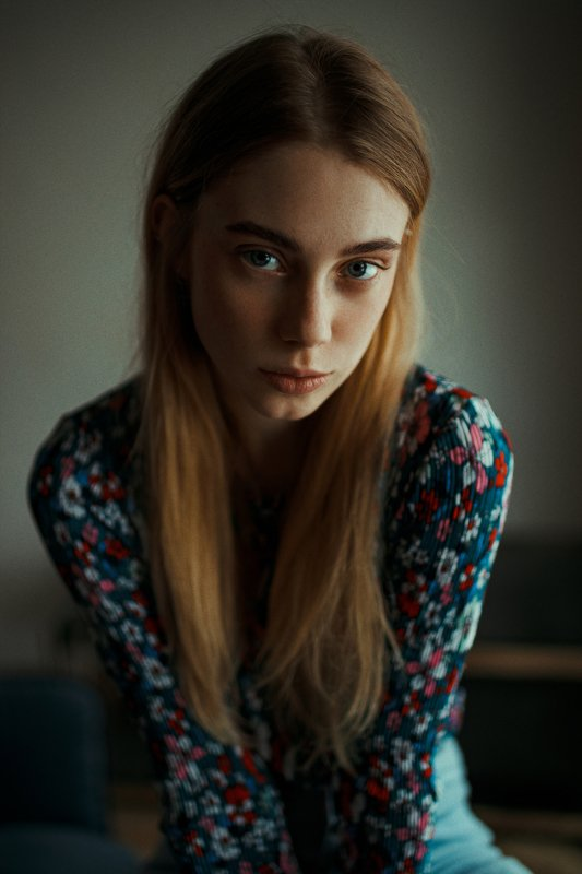 portrait, портрет, girl, portraiture, indoor, февраль, ламповый, retouch, ретушь, цвет, cinematic,цветок, свитер, акварель, fineart, beauty, blue, colourfull Женяphoto preview