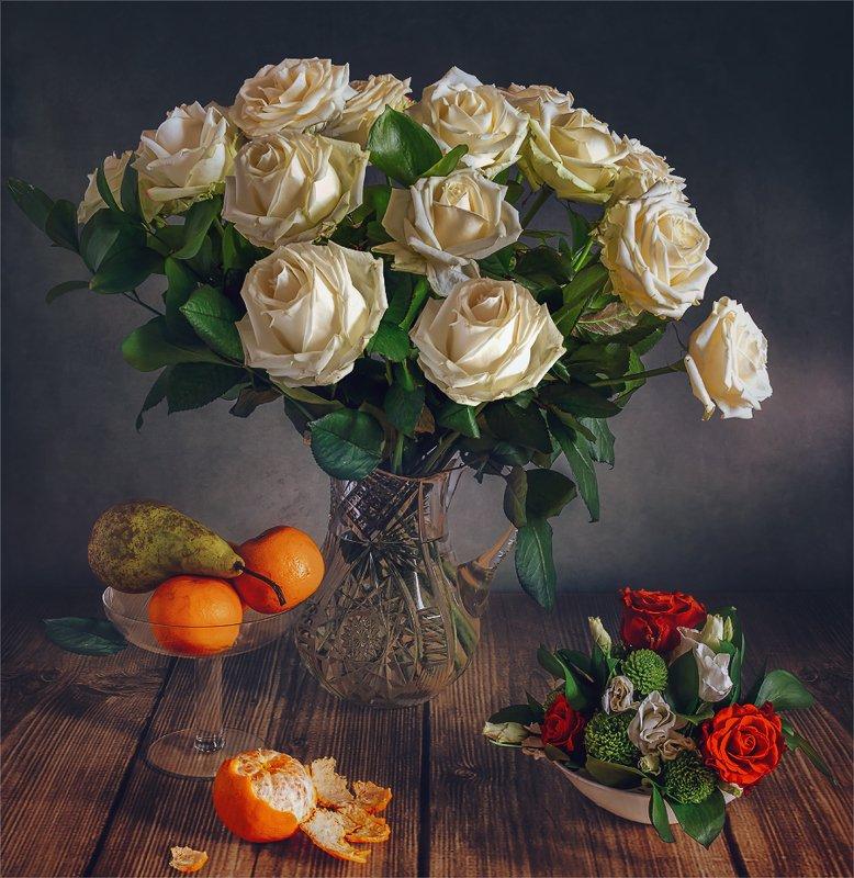 still life, натюрморт,    винтаж,    цветы,  розы, букет, фрукты, груша, мандарин, еда, натюрморт с цветами и фруктамиphoto preview