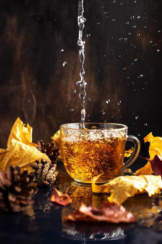 чай, осень, дождь, натюрморт, всплеск, брызги, осенние листья, чаепитие Чайный дождьphoto preview