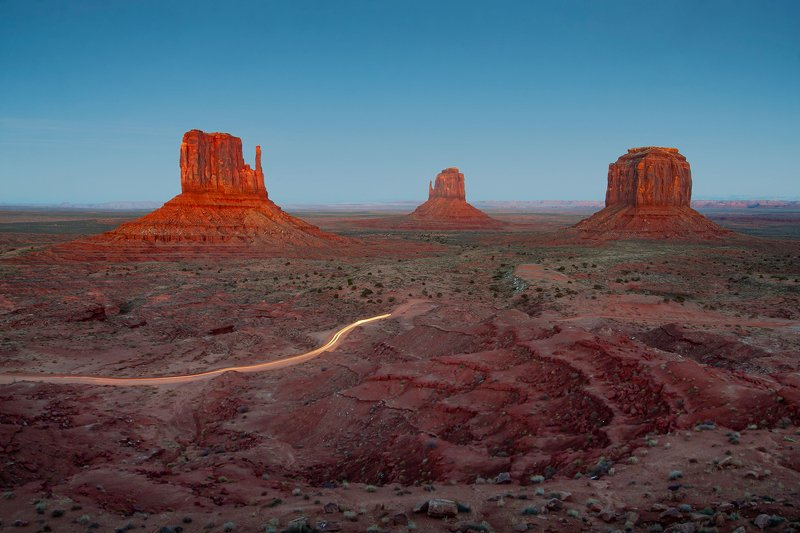 #mountains#sunset#california#usa#trip#adventure#mood#landscape#nature#outdoor Monument Valleyphoto preview