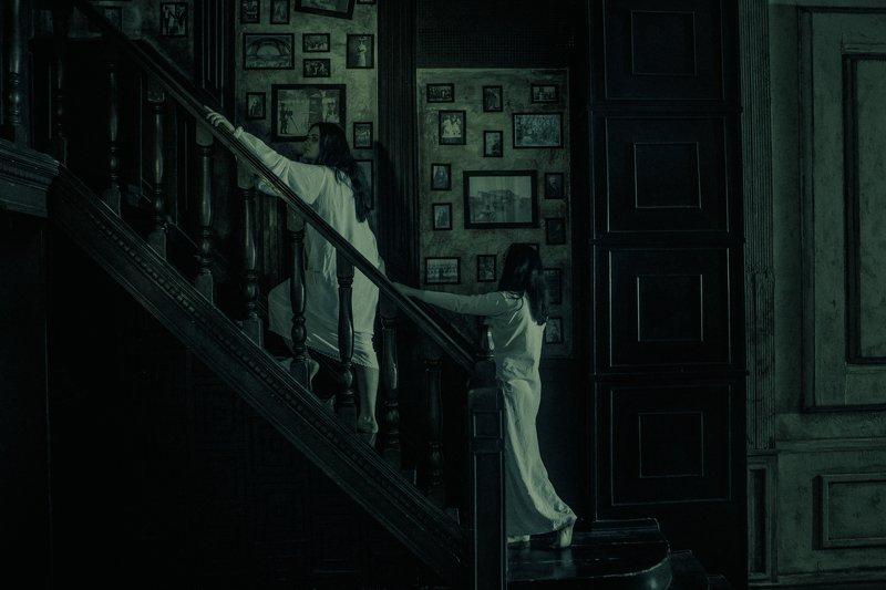 сестры, студийное фото, тематическая фотосессия, хоррор, ужасы Сестрыphoto preview