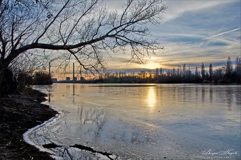 вечер, река, лёд, отражение Вечер трудового дняphoto preview