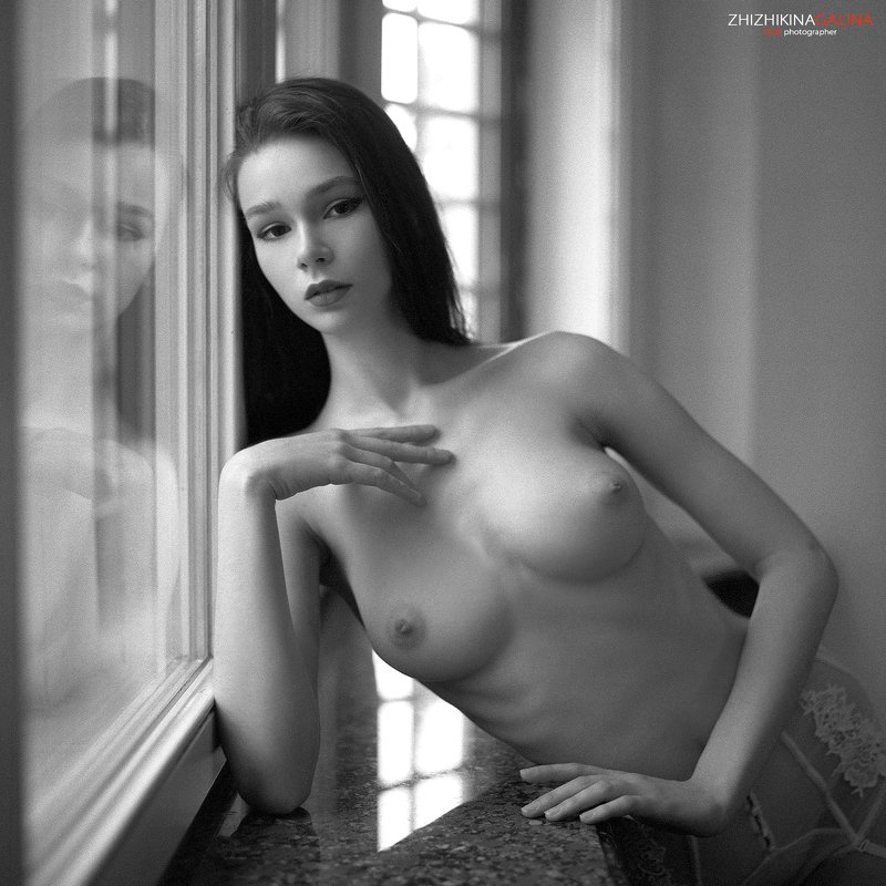 девушка, ню, артню, топлесс, отражение, красивая, чб, пленка, фотограф, москва, film, nu, nude, bw, black and white, 6x6 Твоя душаphoto preview