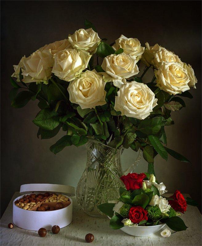 still life, натюрморт,    винтаж,    цветы,  розы, ваза, кувшин, орехи, еда, натюрморт с букетом роз и орешкамиphoto preview