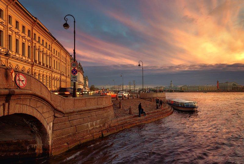 город,архитектура,закат,вечер,набережная,река,люди Вечер в городе.photo preview