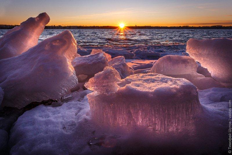 валдай Ледовые торосы на Валдайском озереphoto preview
