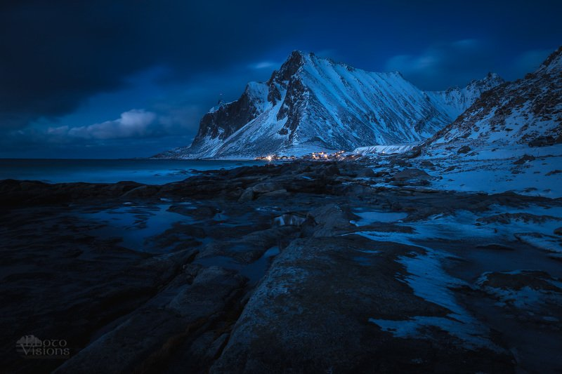 night,nighttime,lofoten,vikten,shore,sea,norway,blue hour,dark,scandinavia Deep bluephoto preview