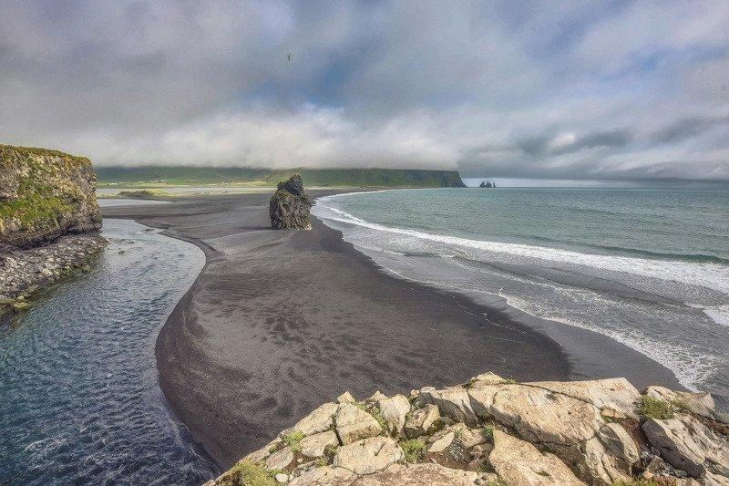 Пляж Рейнисфьяраphoto preview