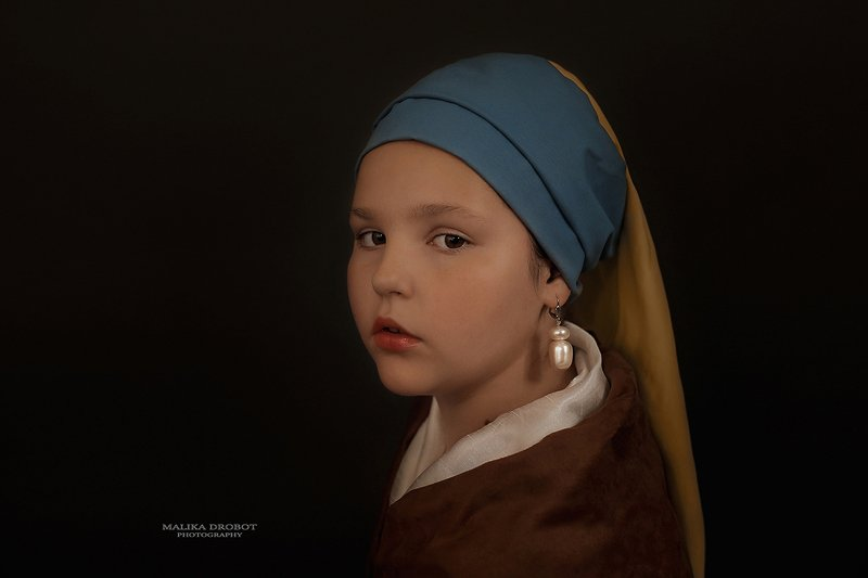 Девушка с жемчужной сережкойphoto preview