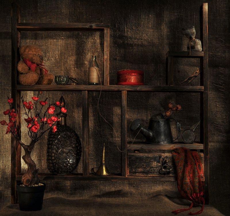 полка,лейка,мешочек,графин,Цветок,воронка,прищепка,верёвка,масленка ***photo preview