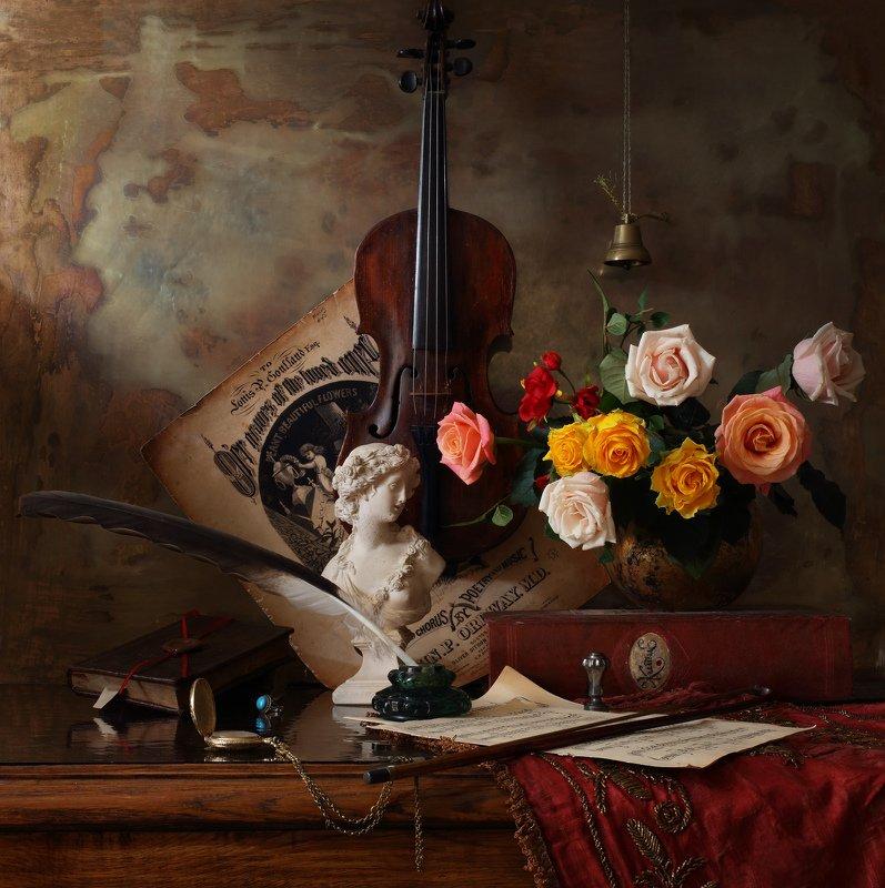 скрипка, цветы, розы, музыка, девушка, скульптура Натюрморт сор скрипкой и цветамиphoto preview