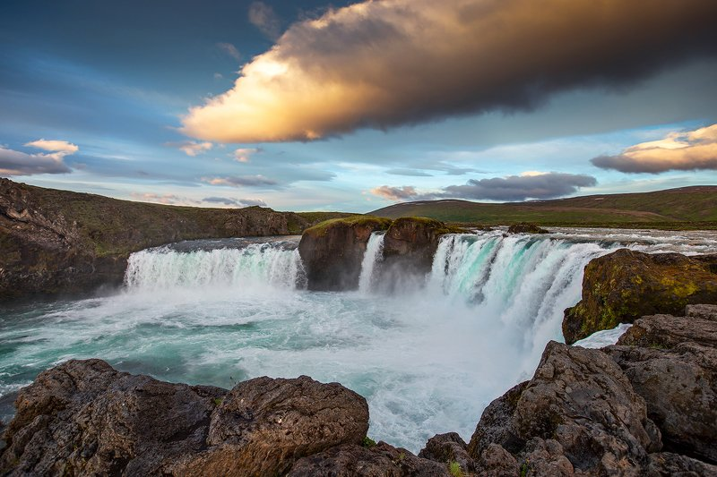 #watefall#iceland#outdoors#trip#adventure#sunrise Godafoss.photo preview
