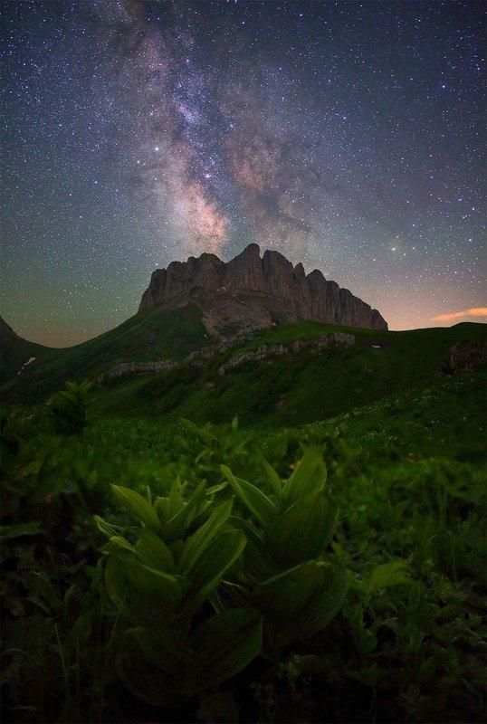 ночь большой тхач ночной пейзаж астрофотография звезды созвездия млечный путь ачешбоки Ачешбоки под звездамиphoto preview