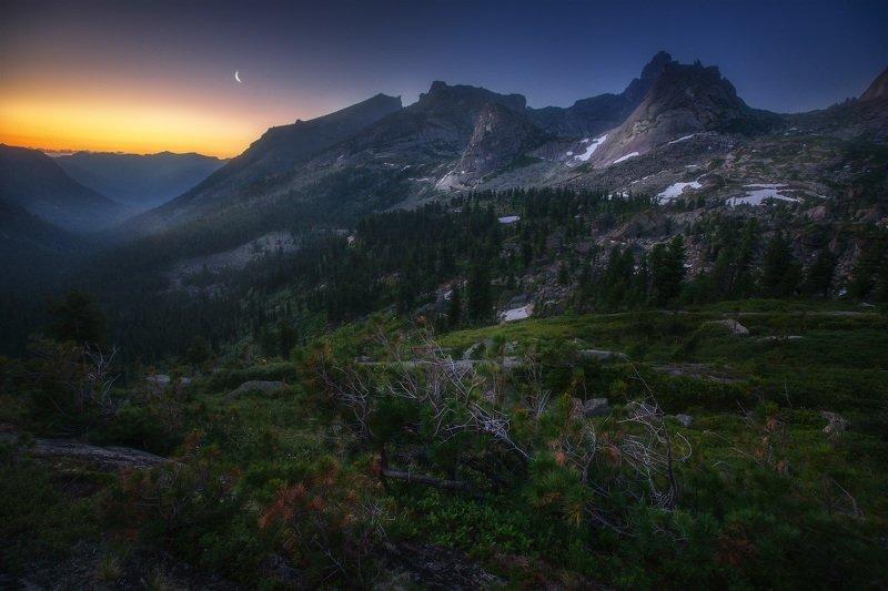 ергаки, горы, саяны, сибирь Вечер у перевала Тайгишphoto preview