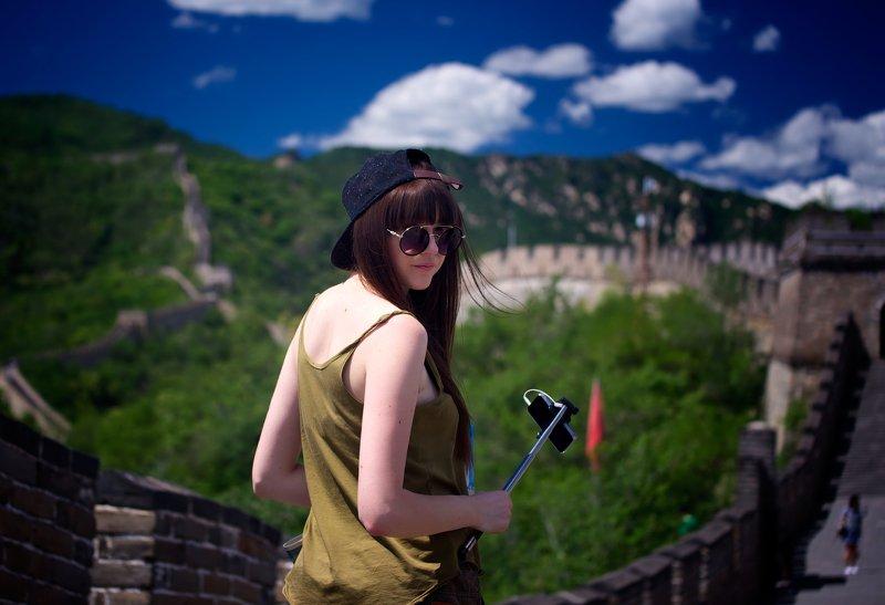 female portrait. fashion. mood portrait. fashion Украинская красавица на великой китайской стенеphoto preview