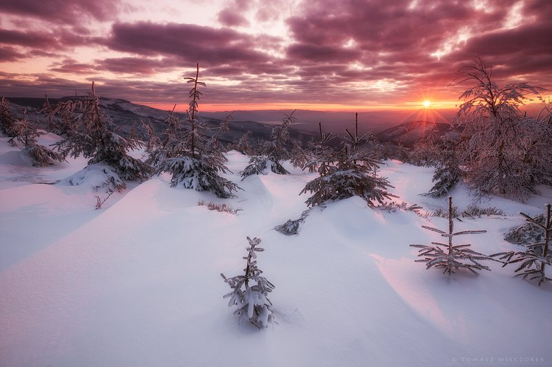 poland, polish, landscape, sunrise, sunset, colours, winter, awesome, amazing, adventure, travel, beautiful, morning, snow, frozen, light, mountains In the first raysphoto preview