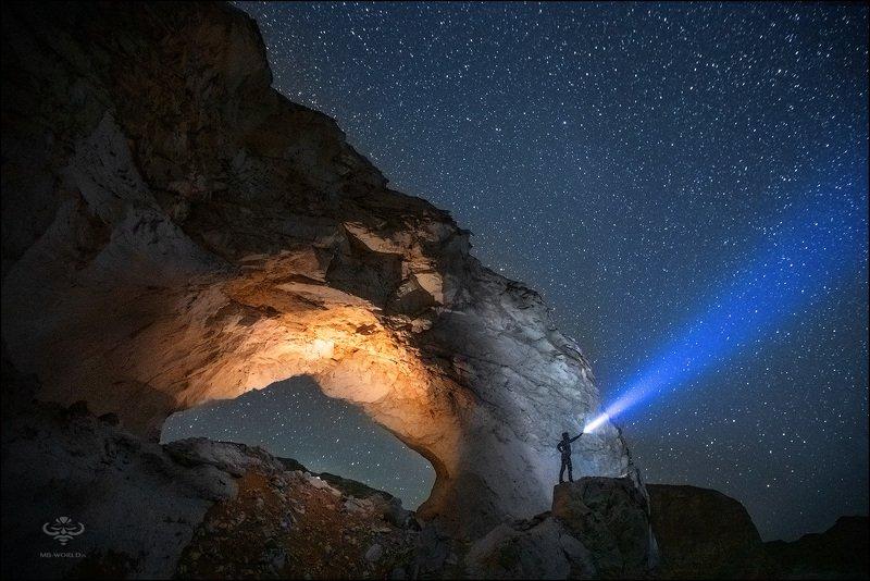 tubgtn Ночь в Белой пустынеphoto preview