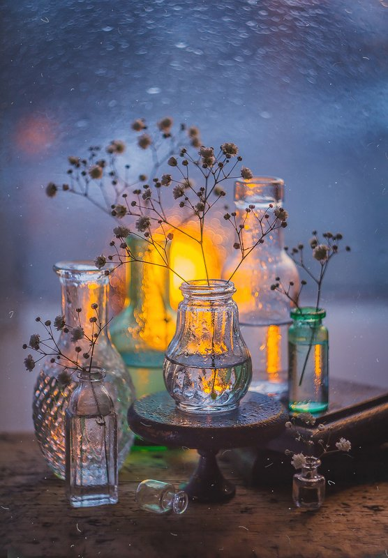 цветы натюрморт боке прозрачный брызги вода закат солнце бутылки банки стекло красивый зима Стеклянные пузырькиphoto preview