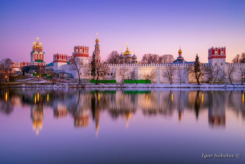 москва, новодевичий монастырь, отражение Вечер у Новодевичьегоphoto preview