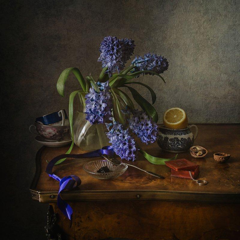натюрморт, стекло, кувшин, фарфор, цветы, гиацинты, лимон Про гиацинтыphoto preview