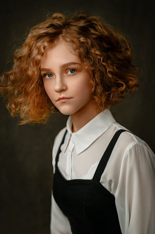 кудряшки, портрет, девушка Девятиклассницаphoto preview