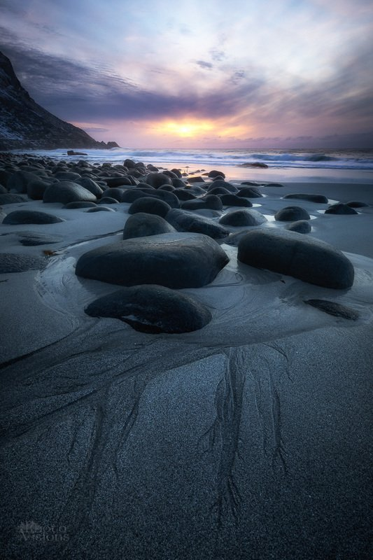 lofoten,norway,norwegian,utakleiv,sunset,winter,sky,beach,stones,sand,patterns, Gentle sunset lightphoto preview