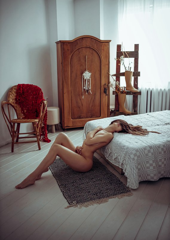 #sensual #art #canon #35mm #boudoir #sexy #girl #bed #body Деси photo preview