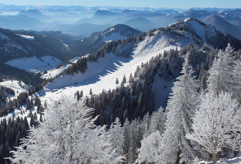 заснеженные горыphoto preview