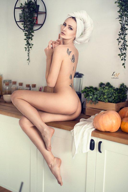 ню, студия, портрет, ню фотограф, москва, фотограф москва, ню фотограф, девушка на кухне ***photo preview