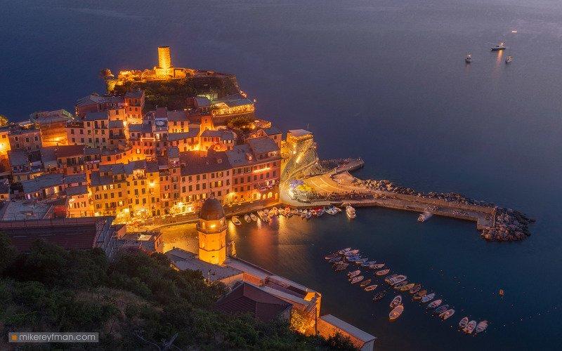 cinque_terre, italy, riviera, night, sea, landscape, architecture, town, beach, vernazza, fireworks, charming, tragedy Non lasciarti abbattere, ITALIA!photo preview
