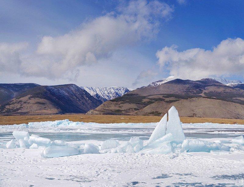 Байкал, лед Байкальская Акулаphoto preview