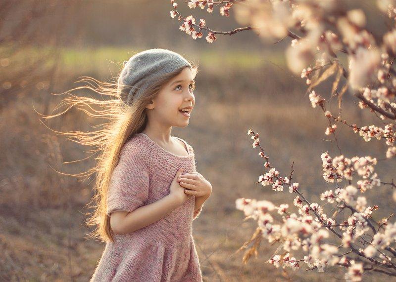 детская фотография Ветер весныphoto preview
