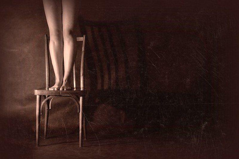 ноги,на,стуле Терпеливое ожидание...photo preview