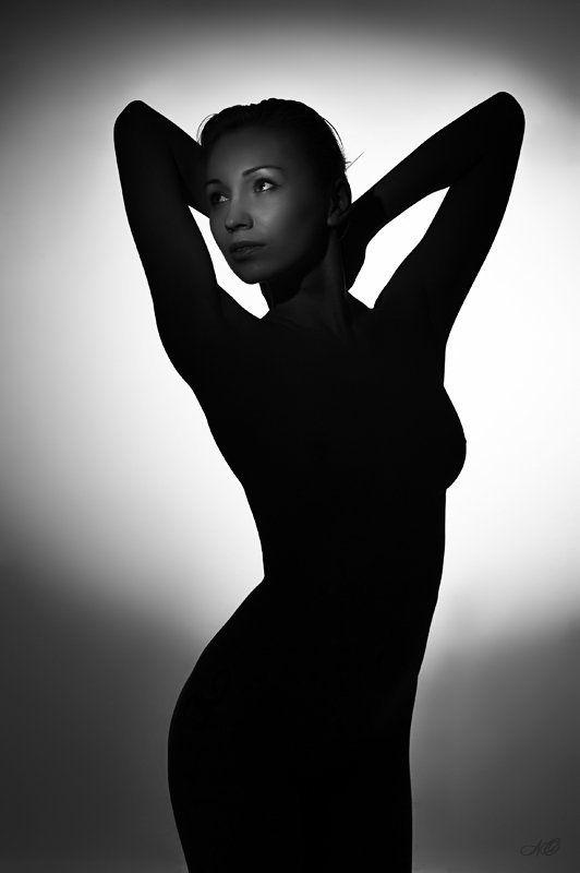 девушка, платье, тень, чб Платье из тениphoto preview