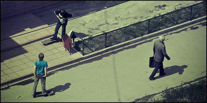 мальчики, скейт, прохожий Мальчишкиphoto preview