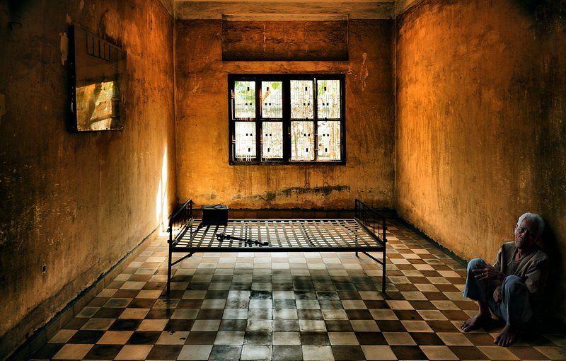 тюрьма камбоджия тюрьма «S 21»photo preview