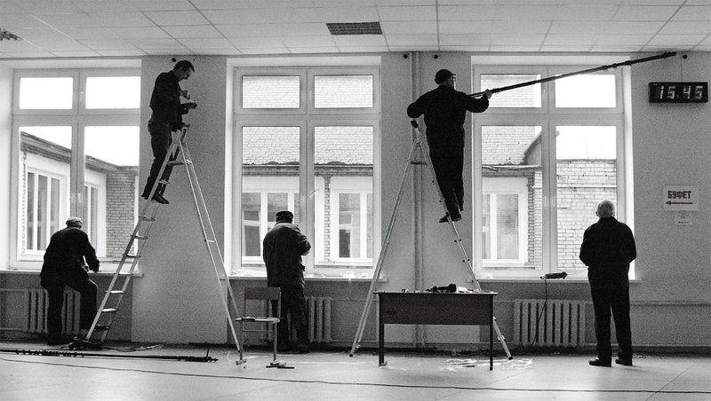 рабочий лестница рабочий лестница рабочий часы К праздникуphoto preview