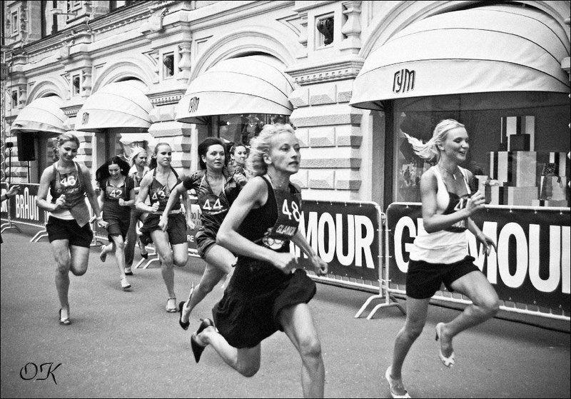 бег на шпильках Побеждать с улыбкойphoto preview