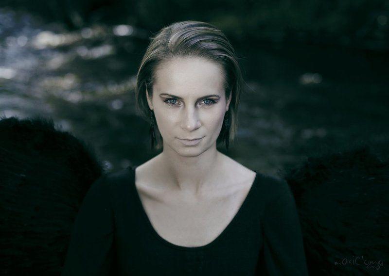 Black Angelphoto preview