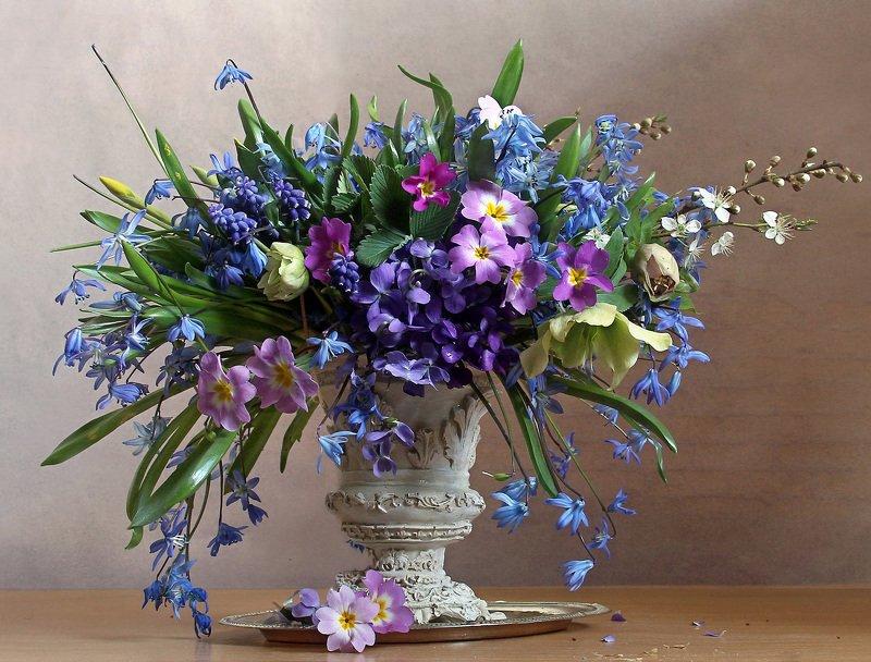 Цветов весенних акварель