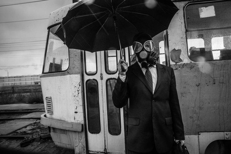 жанр,чб,улица,портрет Последствиеphoto preview