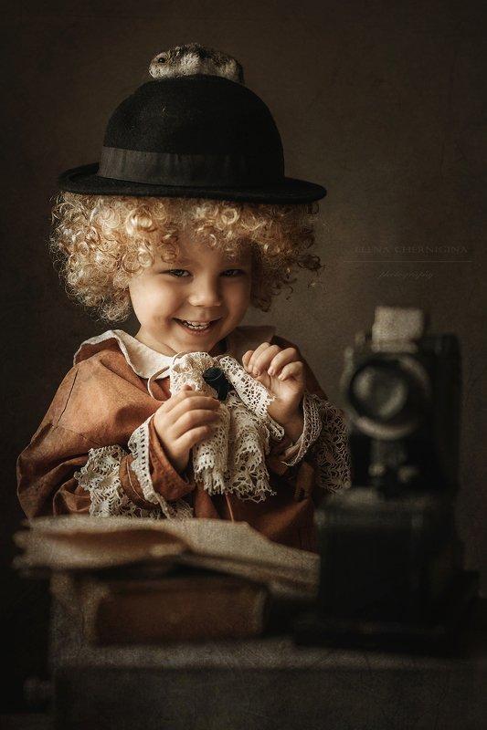 мальчик, дети, портрет, ребенок, животные, кудрявый, кудри, винтаж, ретро, кукла Юный техникphoto preview