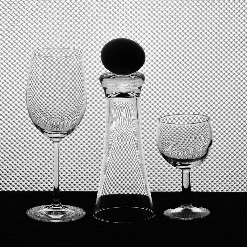 абстракция, свет, тень, фотография, стекло, ч/б Главная фигура.photo preview