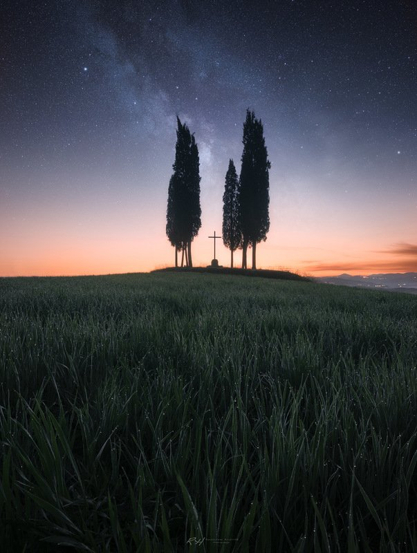 "#landscape, #toscany, #italy, #milkyway, #nightsky, #valdorcia, #fineart, #sunrise ""First warm light""photo preview"